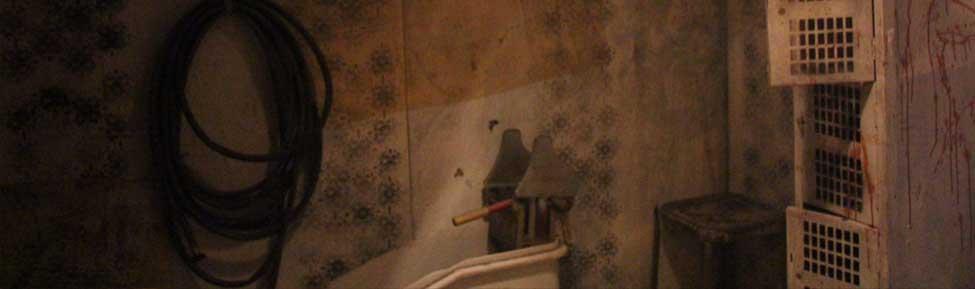 The_Empty_Grave_Haunte_House_Scary_Locker_Room